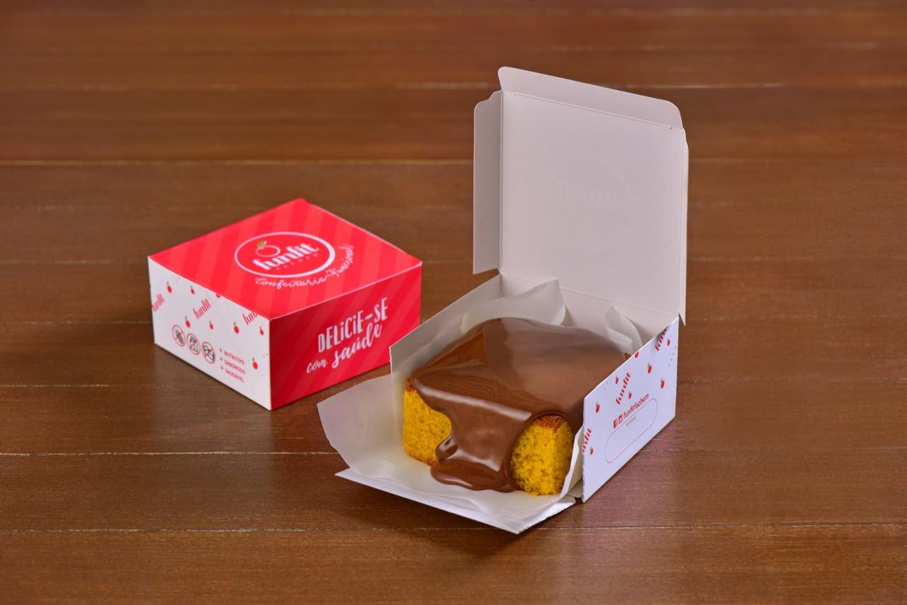 BOLO DE CENOURA SEM CALDA DE CHOCOLATE - FUNFIT